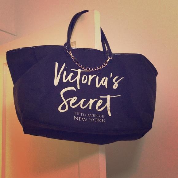 Victoria's Secret Handbags - Victoria's Secret Fifth Avenue New York Bag
